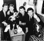 The Searchers_2 - Von links nach rechts Chris Curtis, John McNally, Mike Pender und Tony Jacks...jpg