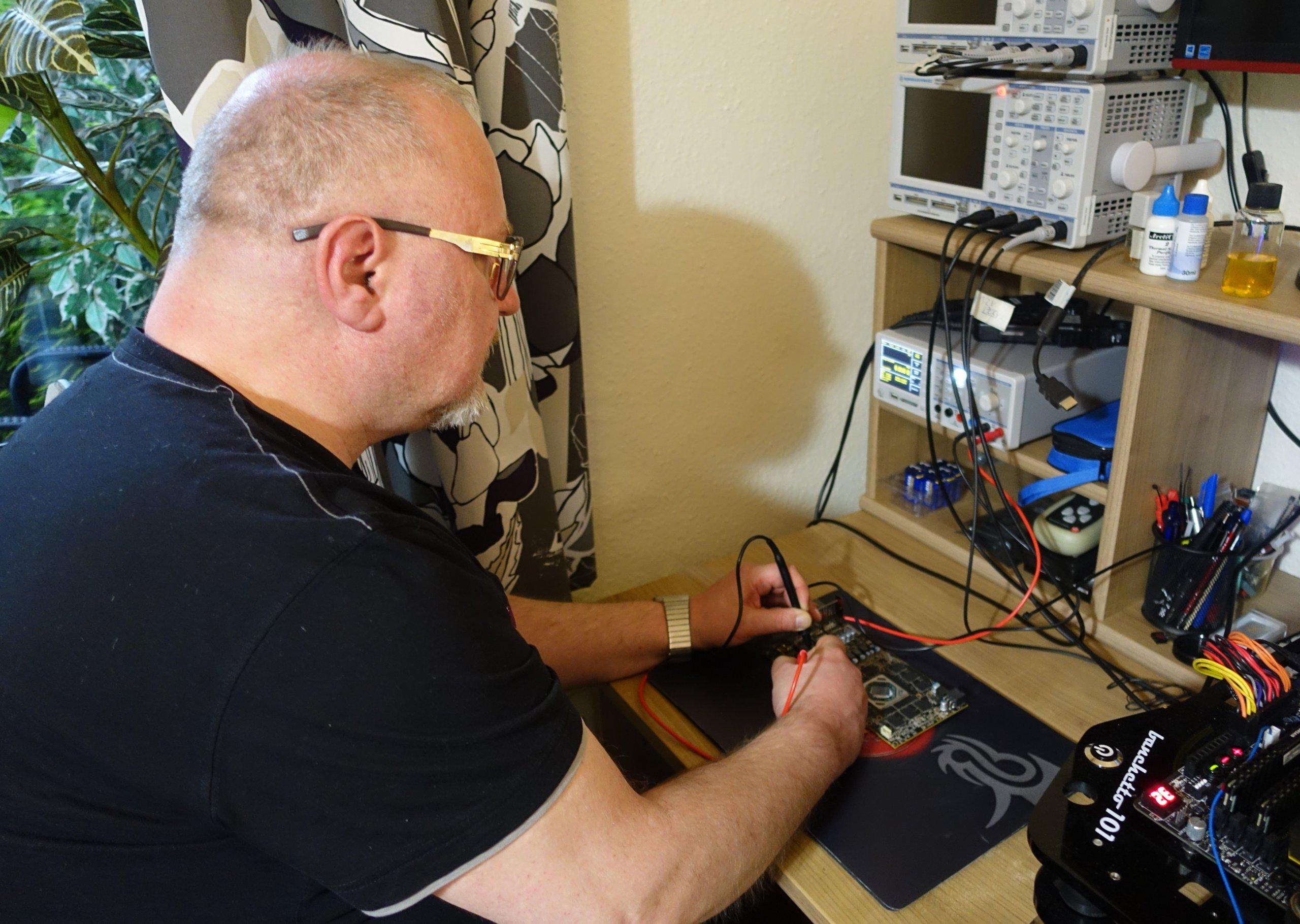 Beim Nachmessen der Versorgungsleitungen auf dem PCB
